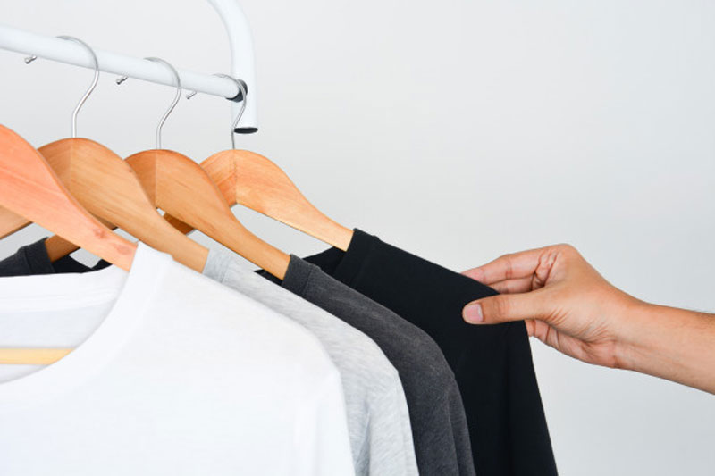 keeping-dark-clothes
