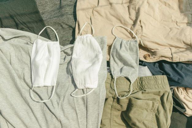 washing clothes-covid19